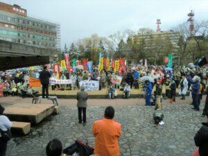 旧福井県民会館前で行われた大飯原発再稼働反対集会(2012年3月25日)